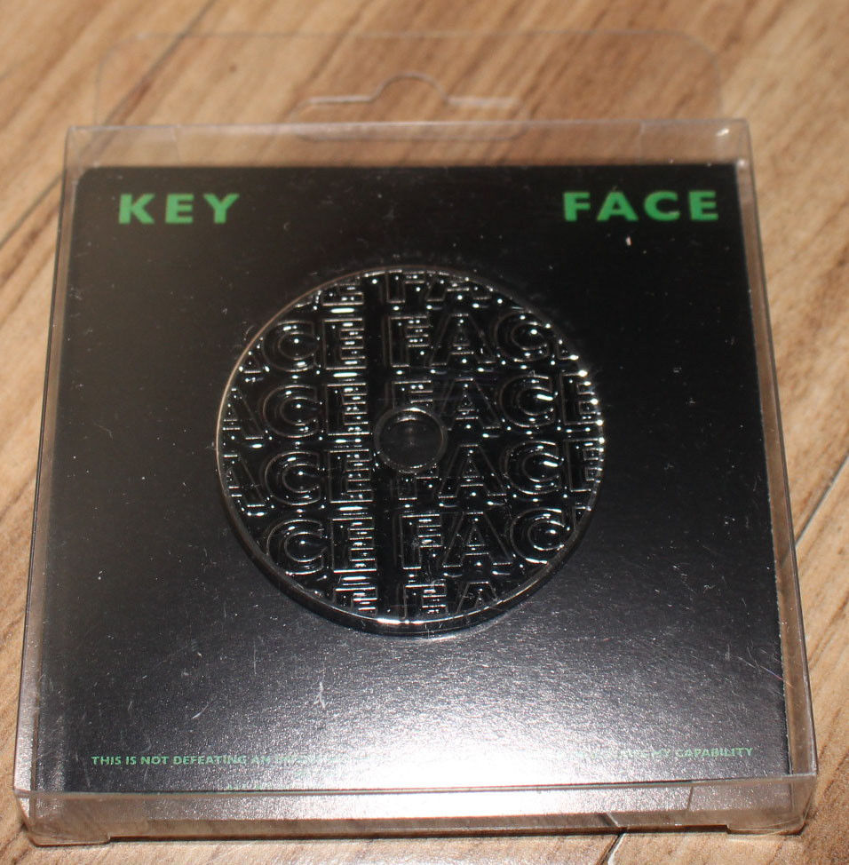 KEY SHINEE 1ST ALBUM FACE SMTOWN GIFTSHOP OFFICIAL GOODS BADGE B NEW