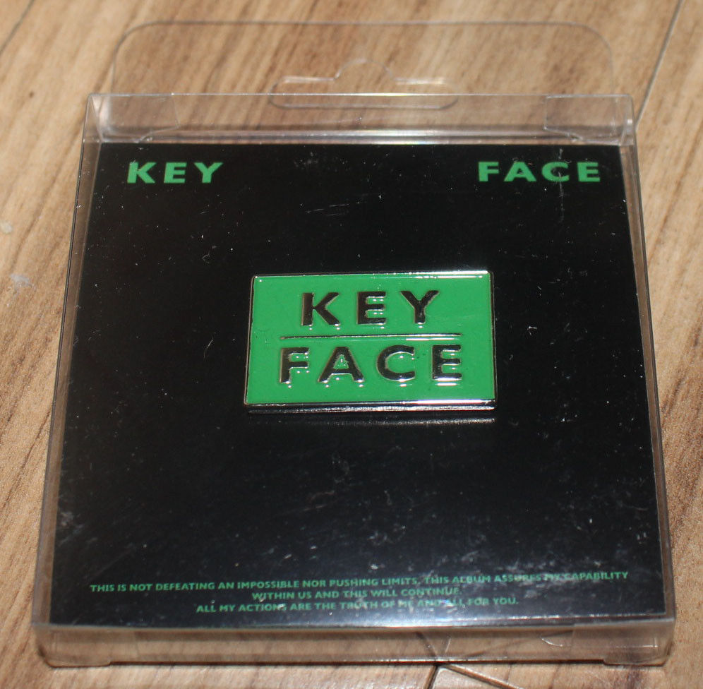 KEY SHINEE 1ST ALBUM FACE SMTOWN GIFTSHOP OFFICIAL GOODS BADGE A NEW
